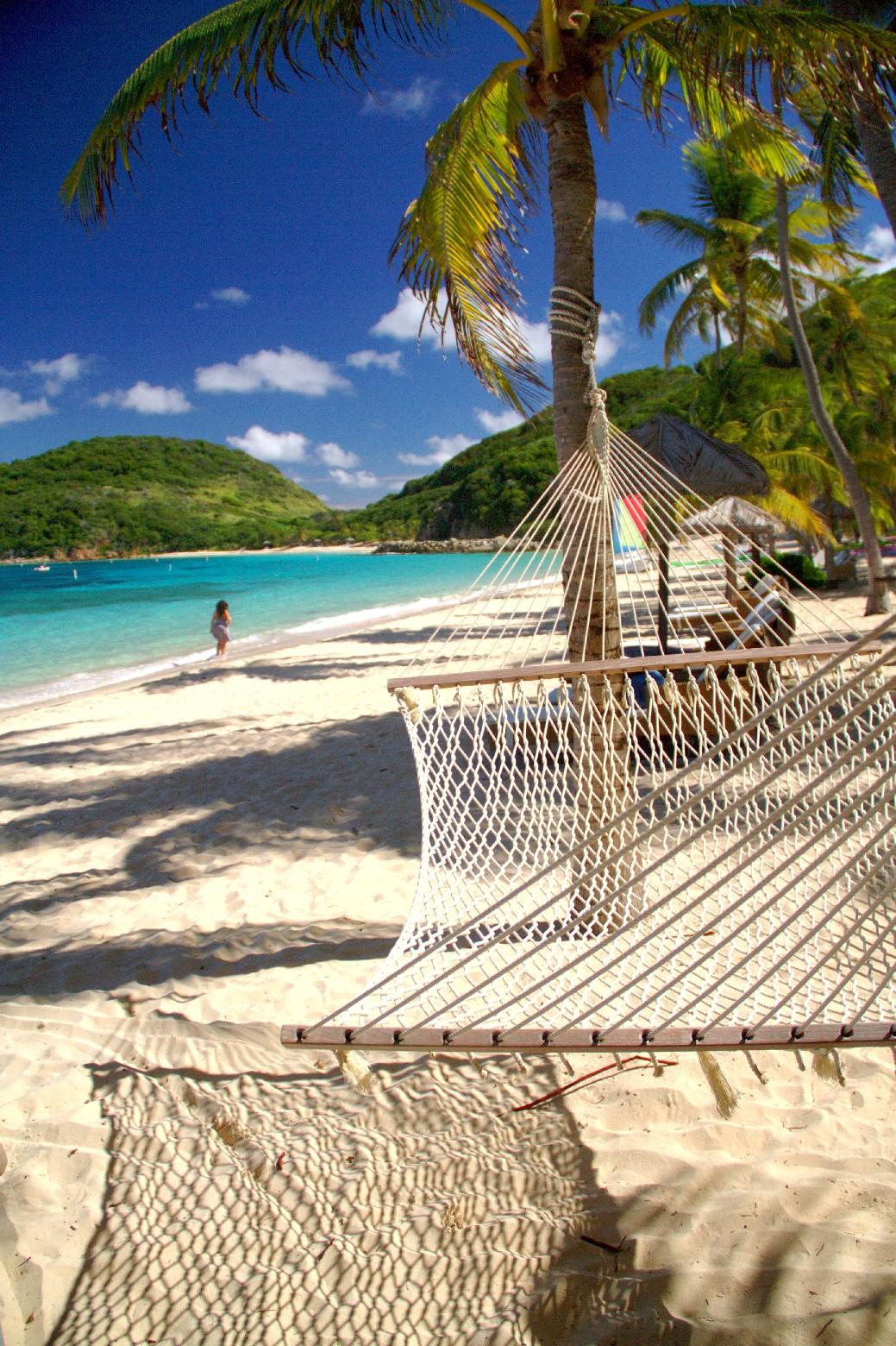 Peter Island possui cinco áreas exclusivas para banho de mar e 20 enseadas