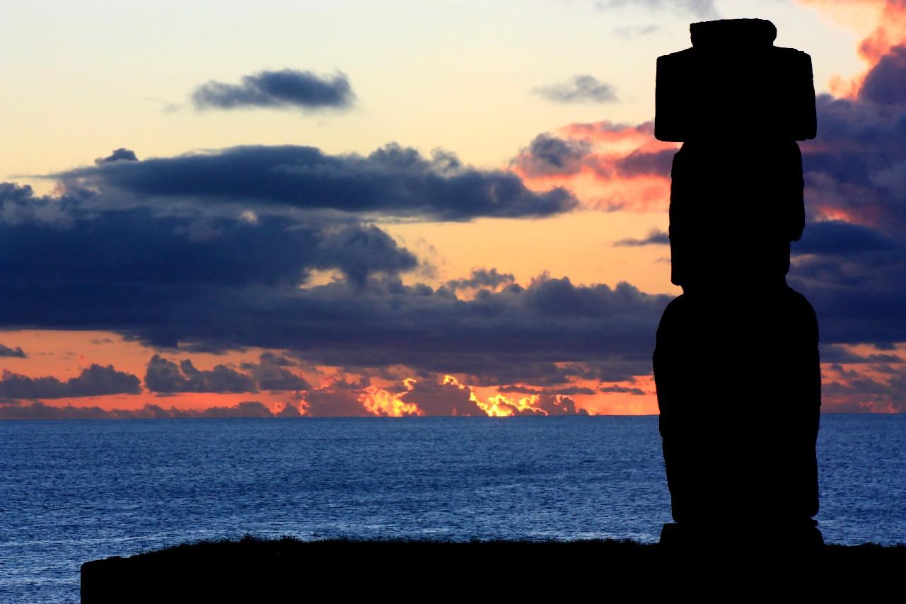 OK, já sabemos que a Ilha de Páscoa não está em território sul-americano, mas faz parte do Chile e é considerado o destino mais distante de qualquer outro lugar povoado do planeta (foto: Eduardo Vessoni)