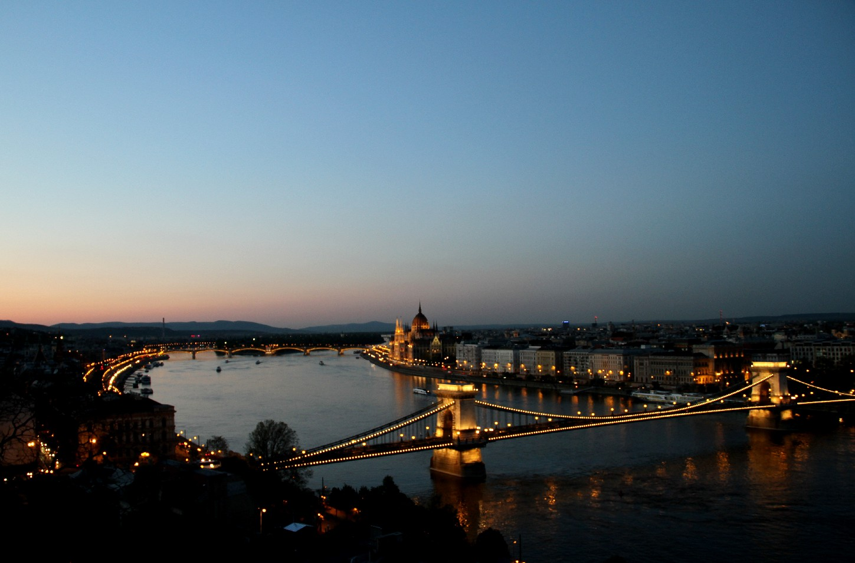 Ponte Széchenyi Lánchíd, em Budapeste, capital da Hungria (foto: Eduardo Vessoni)