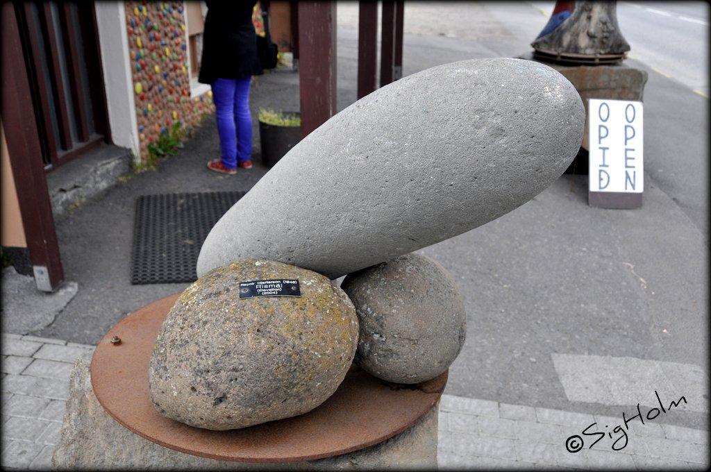 Trabalhos artísticos com referência ao pênis também podem ser vistos no Icelandic Phallological Museum, na Islândia (foto: Divulgação)