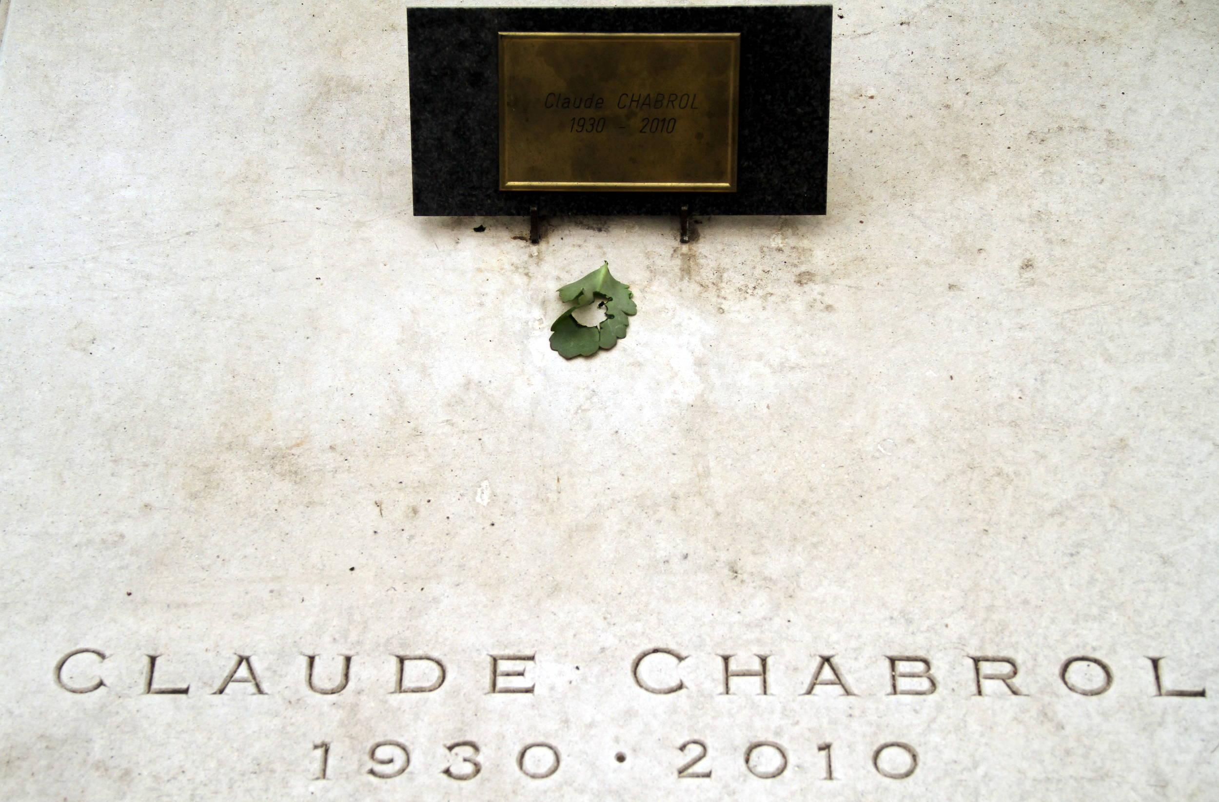 Túmulo do cineasta francês Claude Chabrol (foto: Eduardo Vessoni)