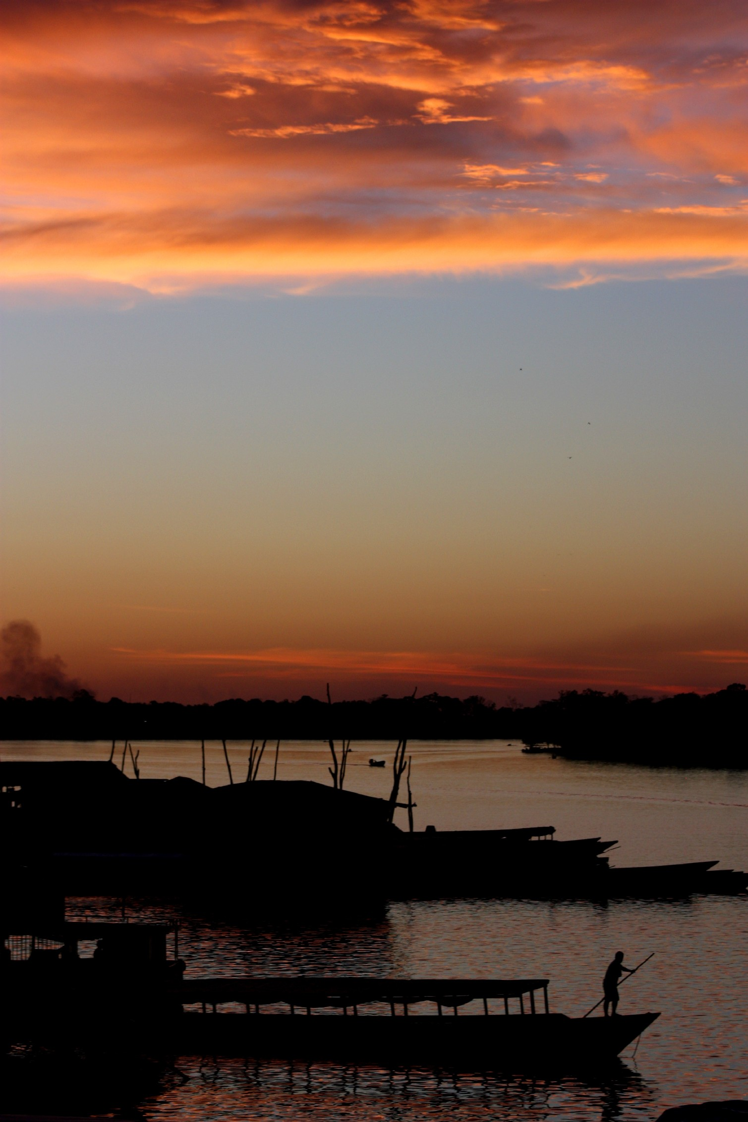 Lagoa Yarinacocha, próximo a Pucallpa, na Amazônia peruana (foto: Eduardo Vessoni)