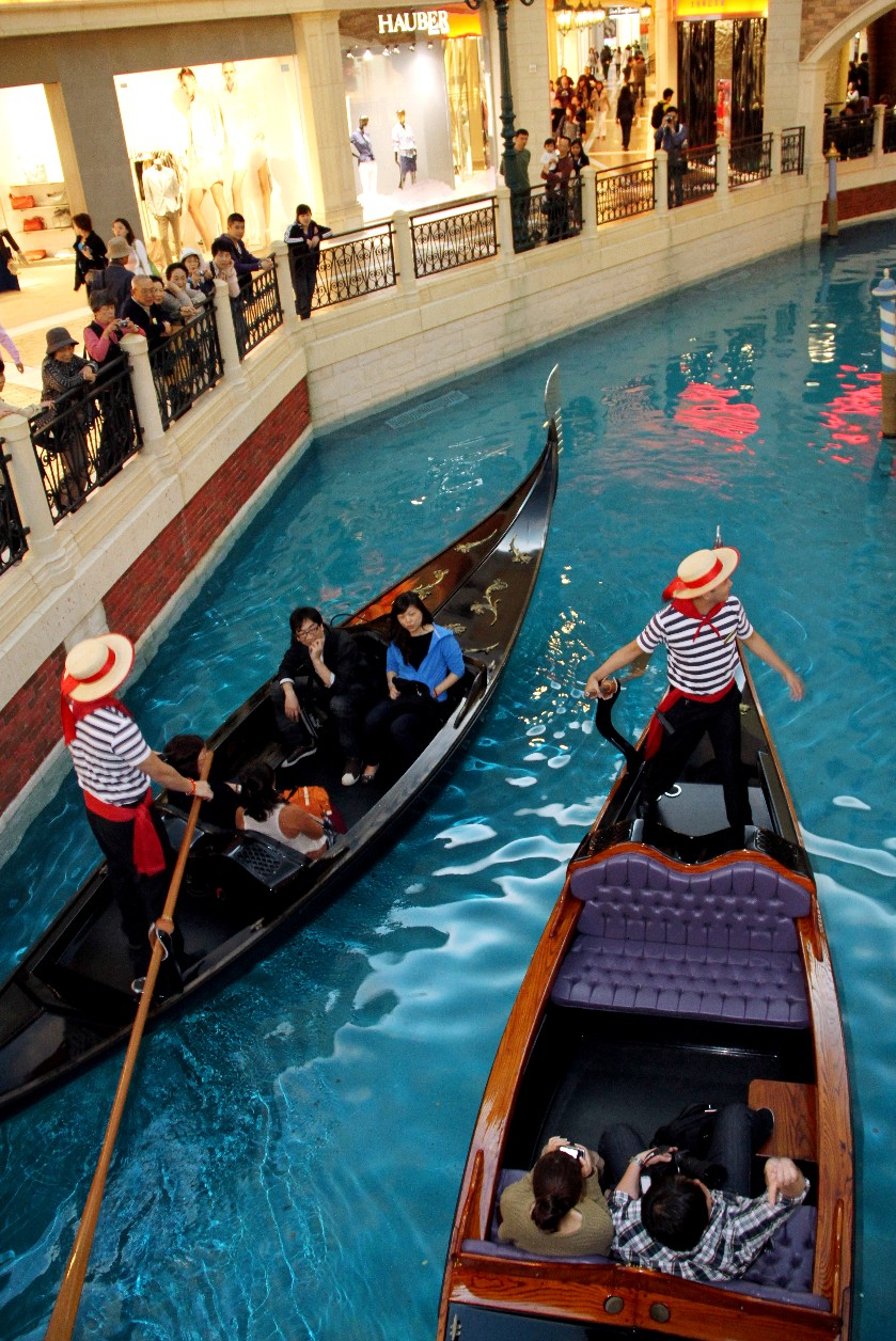 Gôndolas no Venetian, shopping em Macau, China (foto: Eduardo Vessoni)