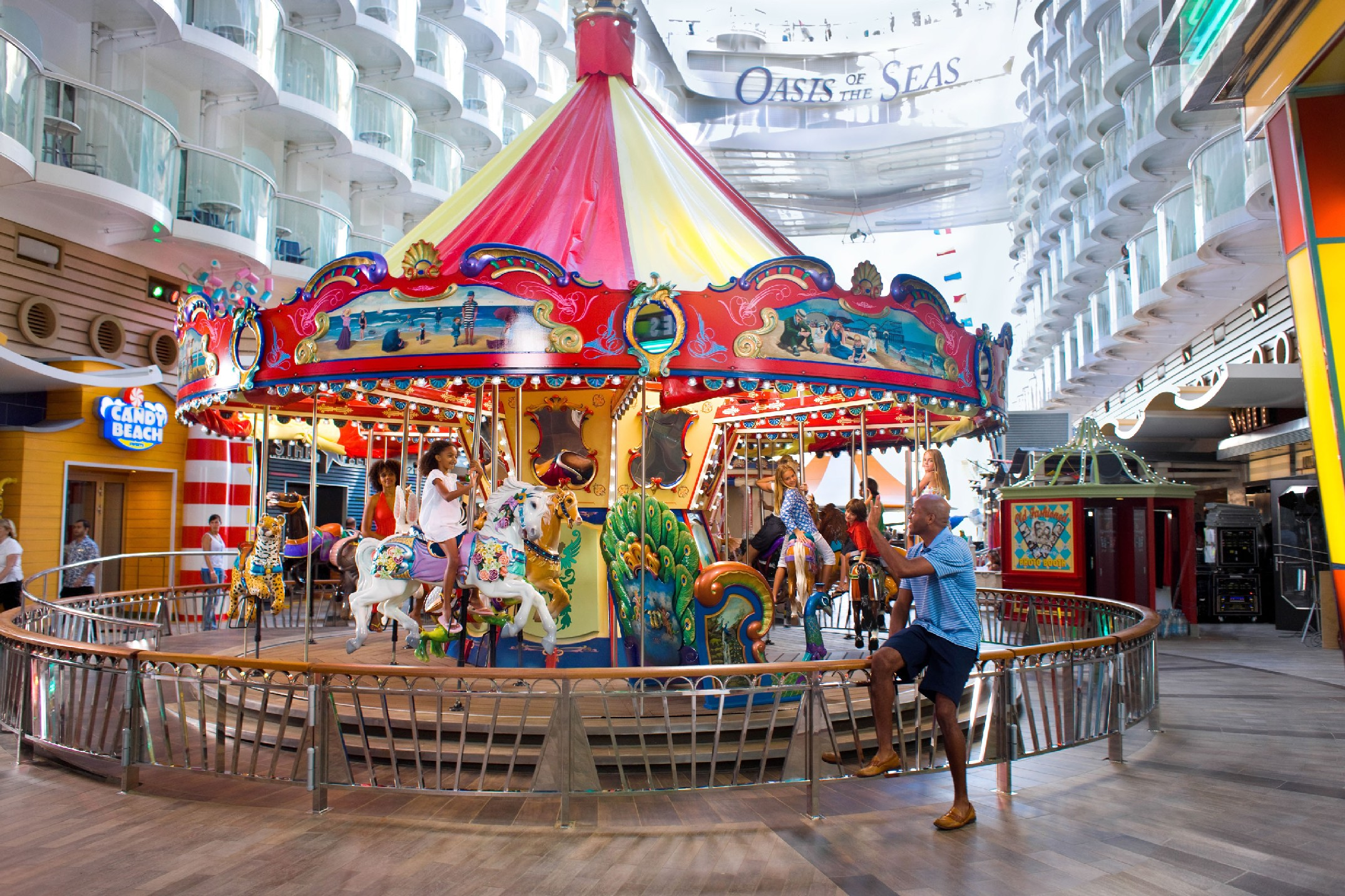 Carrossel no no Oasis of the Seas (foto: Royal Caribbean International / Divulgação)