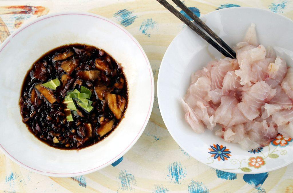 Sashimi e o molho manguezal (foto: Eduardo Vessoni)