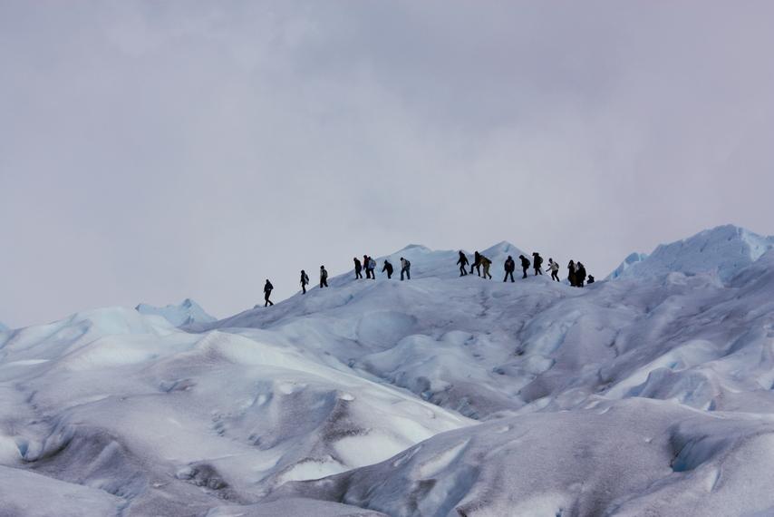 CAMINHADA NO GELO: O glacial Perito Moreno serve de cenário para trekkings no principal atrativo do Parque Nacional Los Glaciares, a 80 km de El Calafate. Com 724 mil hectares e declarado Patrimônio da Humanidade, o local abriga 350 glaciares, entre eles o Perito Moreno (foto: Eduardo Vessoni)