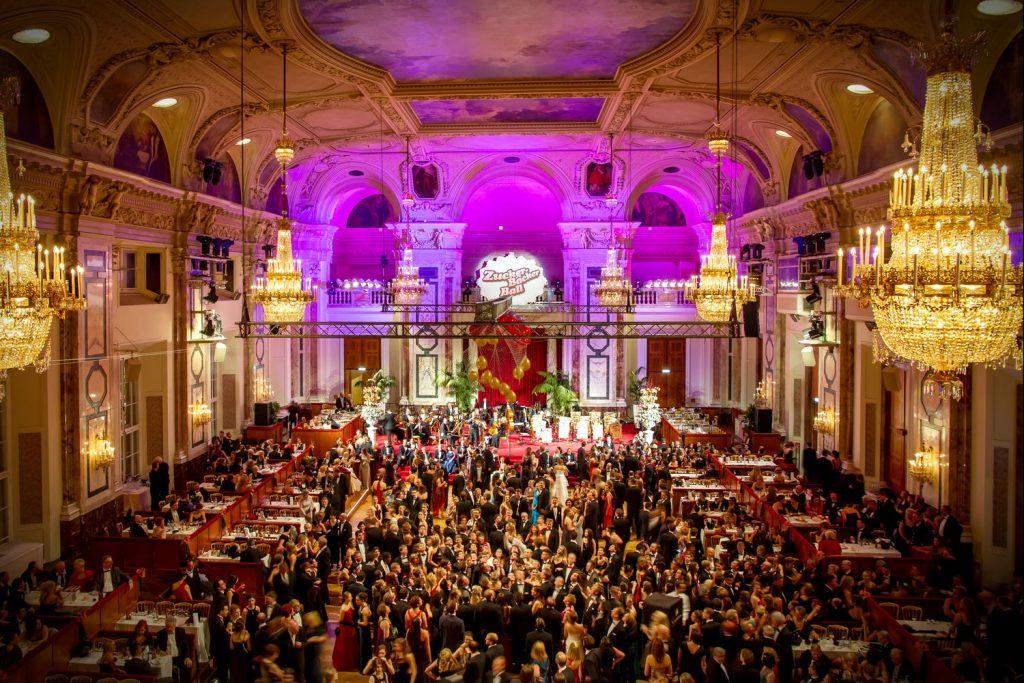 Vista do Baile dos Confeiteiros de Viena que acontece em janeiro, na Hofburg (foto: Divulgação)