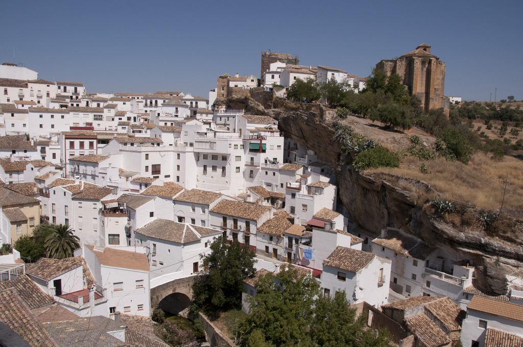 Setenil de las Bodegas ( Joao Alves/Flickr - Creative Commons)