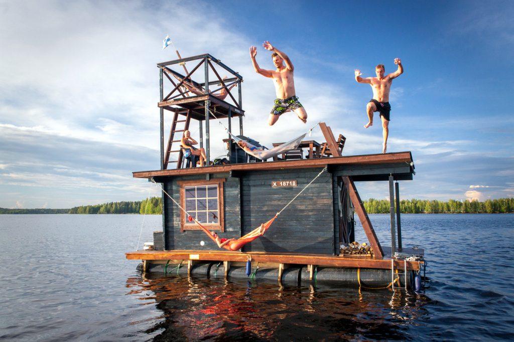 Saunalautta, na Finlândia (foto: Saunalautta/Divulgação)