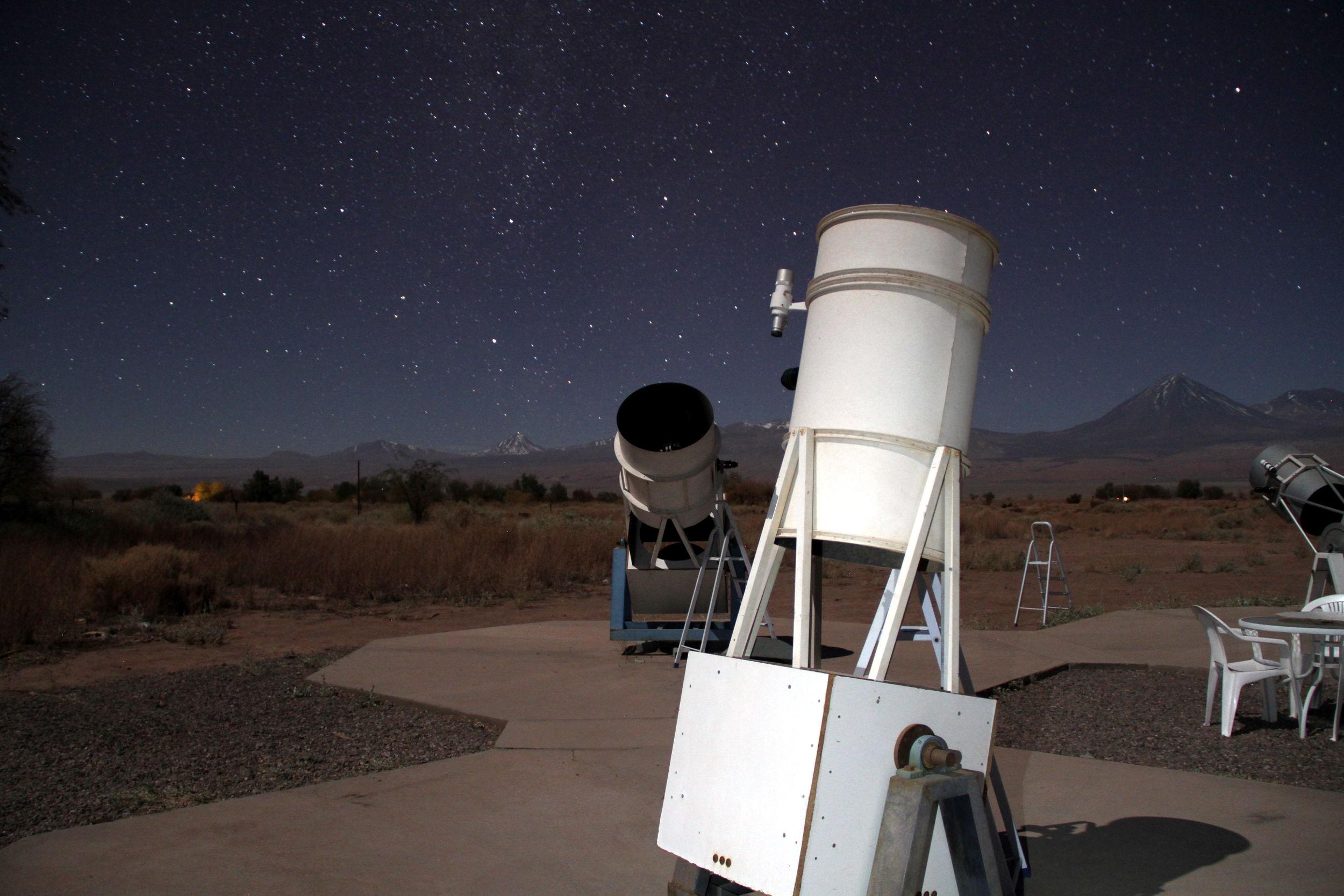 Vista da área de observação astronômica no Atacama, no norte do Chile (foto: Eduardo Vessoni)