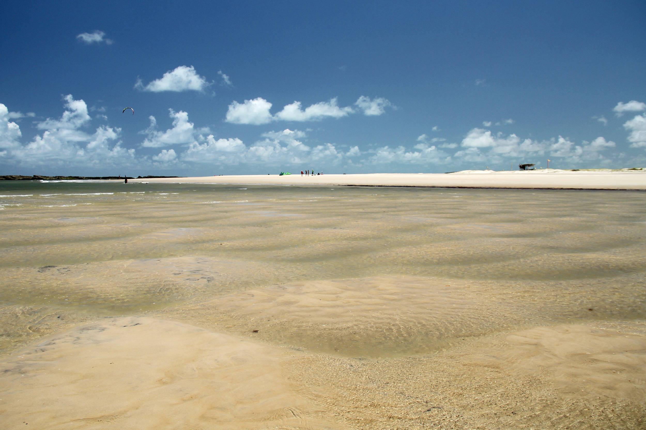 Localizada a 75 quilômetros de Natal, próximo a Pipa, a Barra do Cunhaú é conhecida pelas praias formadas com águas do mar e do rio (foto: Eduardo Vessoni)