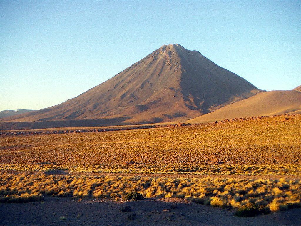 Vulcão Licancabur, na na fronteira entre o Chile e a Bolívia (foto: Pablo Trincado/Flickr-Creative Commons)