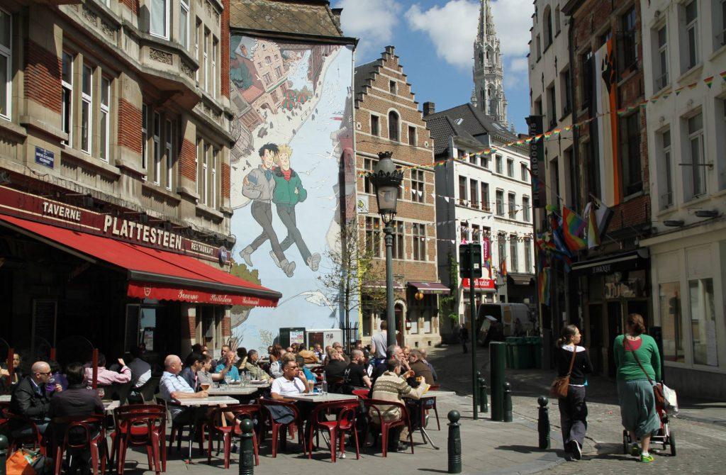 Localizada na rua Plattesteen, a obra 'Broussaille' do artista Frank Pé foi a primeira a ganhar os muros de Bruxelas, em julho de 1991, no projeto que levou personagens das histórias em quadrinhos para as ruas da capital belga (foto: Eduardo Vessoni)