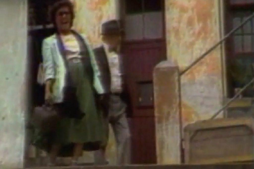 Reprodução do vídeo em que Elis Regina e Adoniran Barbosa passearam pela Vila Itororó, na Bela Vista (veja o vídeo original)