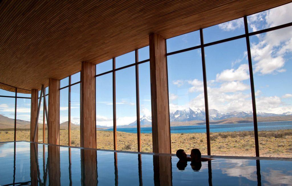 Piscina do SPA do Tierra Patagonia, em Torres del Paine, no extremo sul do Chile (foto: Pía Vergara/Divulgação)