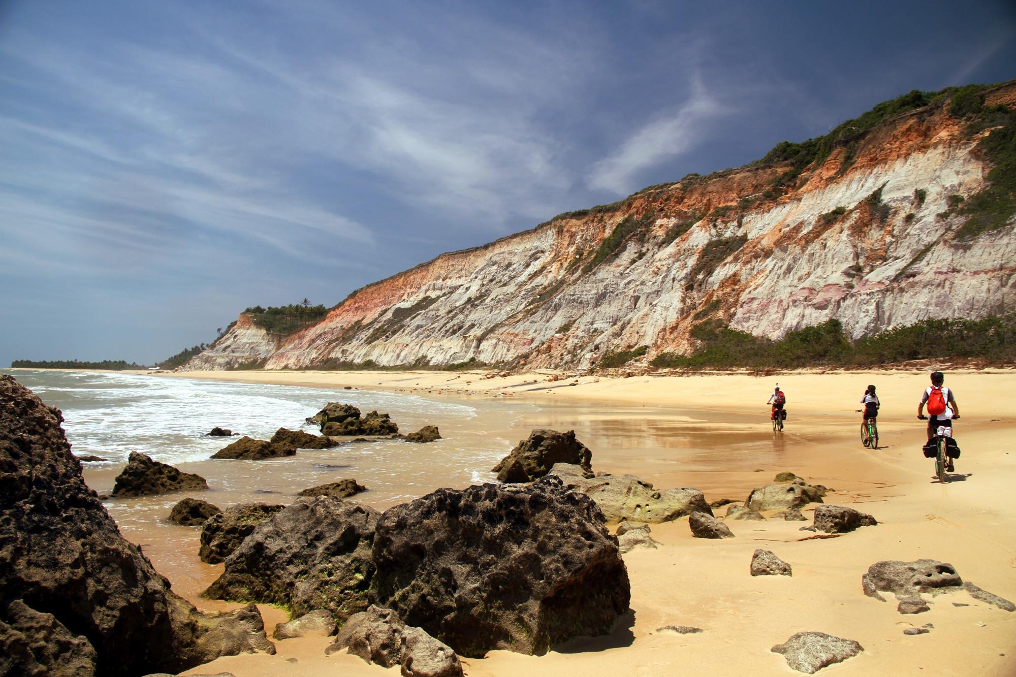 Rio da Barra, uma das atrações naturais do roteiro de bicicleta, entre Arraial d'Ajuda e Trancoso, no litoral sul da Bahia (foto: Ediuardo Vessoni)