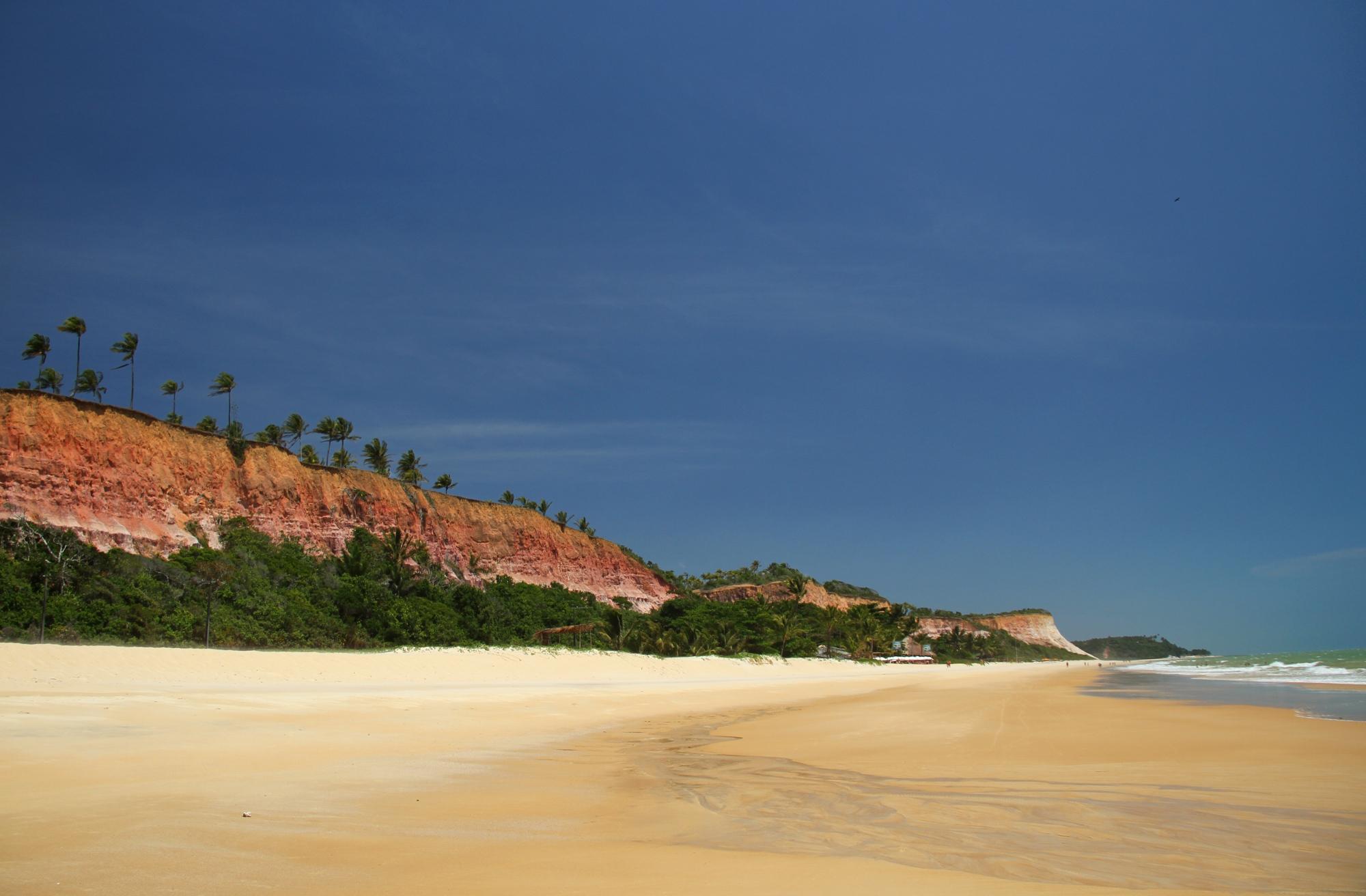 Taípe é uma das praias do roteiro de bicicleta, entre Arraial d'Ajuda a Trancoso (foto: Eduardo Vessoni)