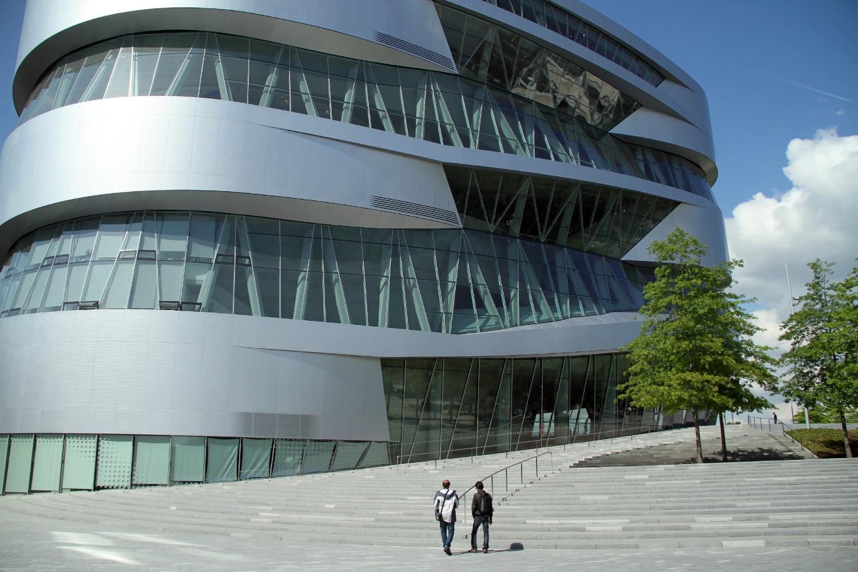 Museu da Mercedes-Benz, em Stuttgart, na Alemanha (foto: Eduardo Vessoni)