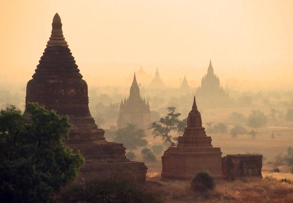 MYANMAR: Esse é outro destino da Ásia que entrou para a lista dos 16 melhores lugares do mundo para conhecer em 2016. Uma das atrações recomendadas nesse país, segundo a revista Condé Nast Traveler, é o arquipélago de Mergui, cujo crescimento do turismo se deve sobretudo às viagens de barcos pela região (foto: Nick Kenrick/Flickr-Creative Commons)