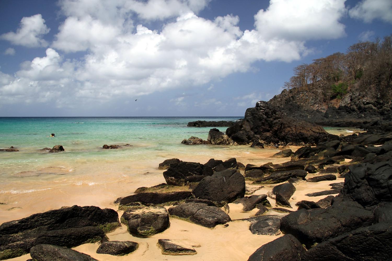 Pelo 3ª ano consecutivo, Baía do Sancho é eleita uma das melhores praias do mundo (foto: Eduardo Vessoni)