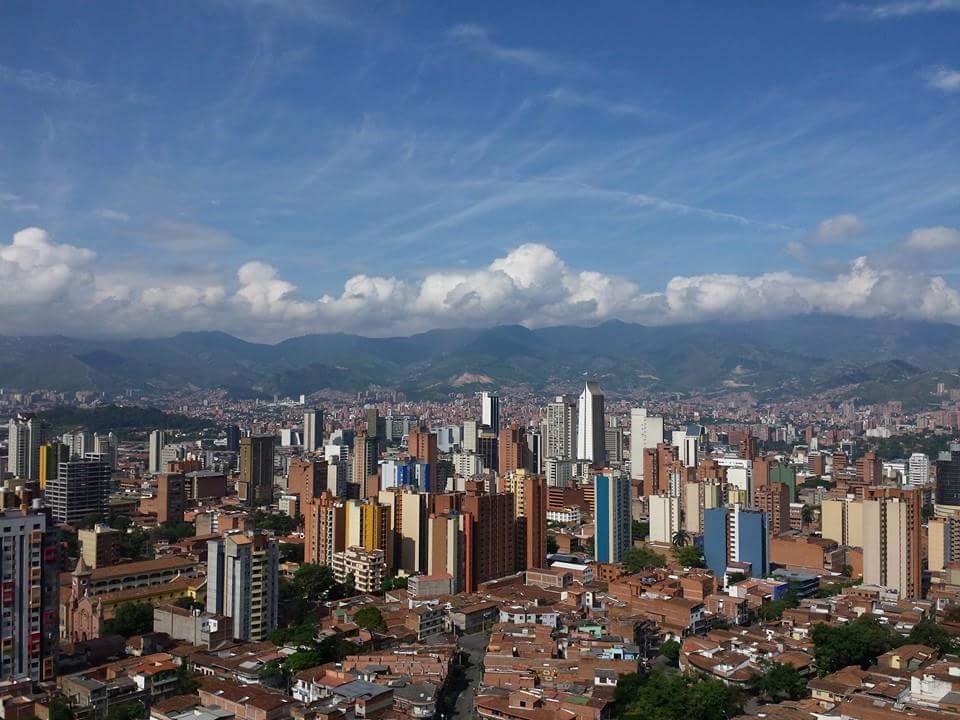 COLÔMBIA: Medellín, a segunda maior cidade colombiana, é uma das sugestões de viagens para 2016, segundo a Condé Nast Traveler, publicada recentemente. Famoso no passado pelo tráfico de drogas e pela alta taxa de homicídios, o destino se tornou um dos endereços mais agradáveis da América do Sul, de acordo com a revista (foto: Iván Erre Jota/Flickr-Creative Commons)