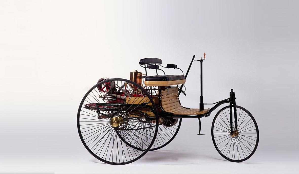 Primeiro carro da história da Humanidade, em exposição em Stuttgar, na Alemanha (foto: Mercedes-Benz/Divulgação)