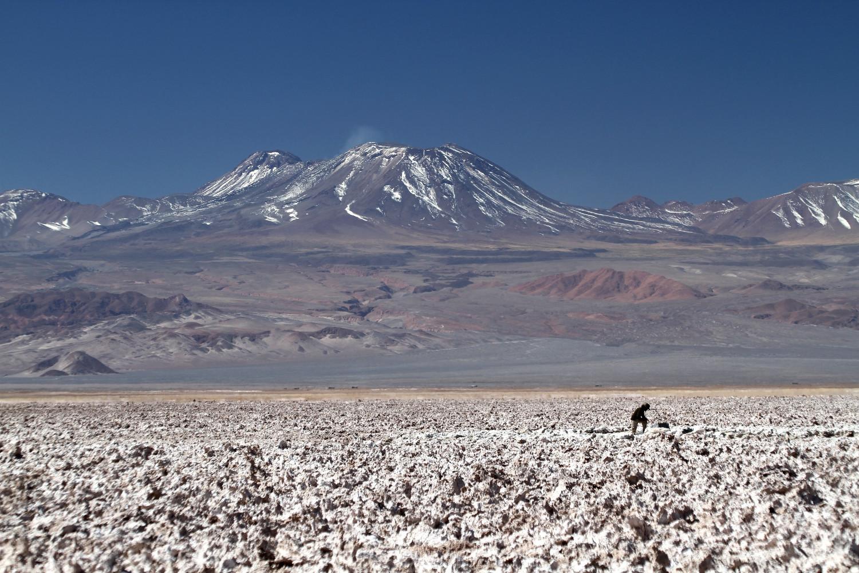Localizado no interior da Reserva Nacional Los Flamencos, esse salar é um dos cenários obrigatórios, no Deserto do Atacama, no Chile (foto: Eduardo Vessoni)