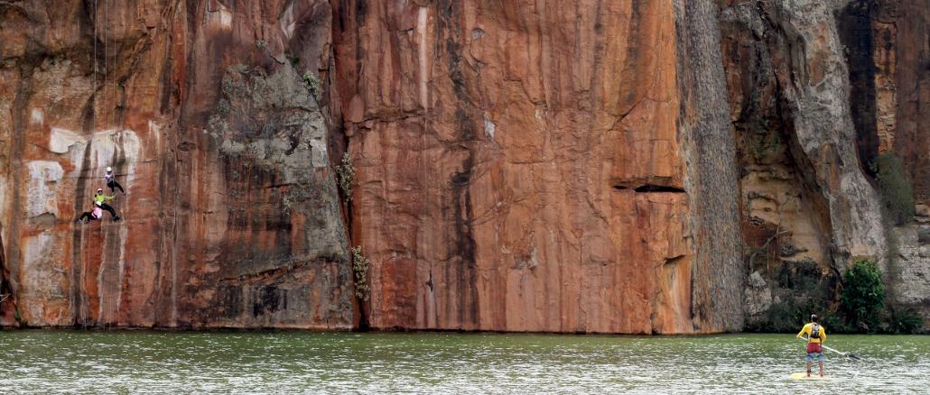 Rapel no Cânion do Xingó, em Sergipe (foto: Eduardo Vessoni)