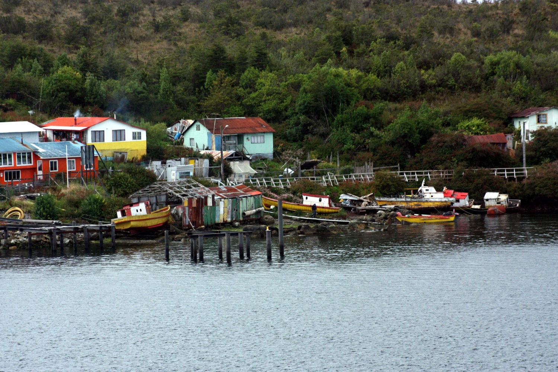 Vista de Puerto Edén, na Patagônia chilena (foto: Eduardo Vessoni)
