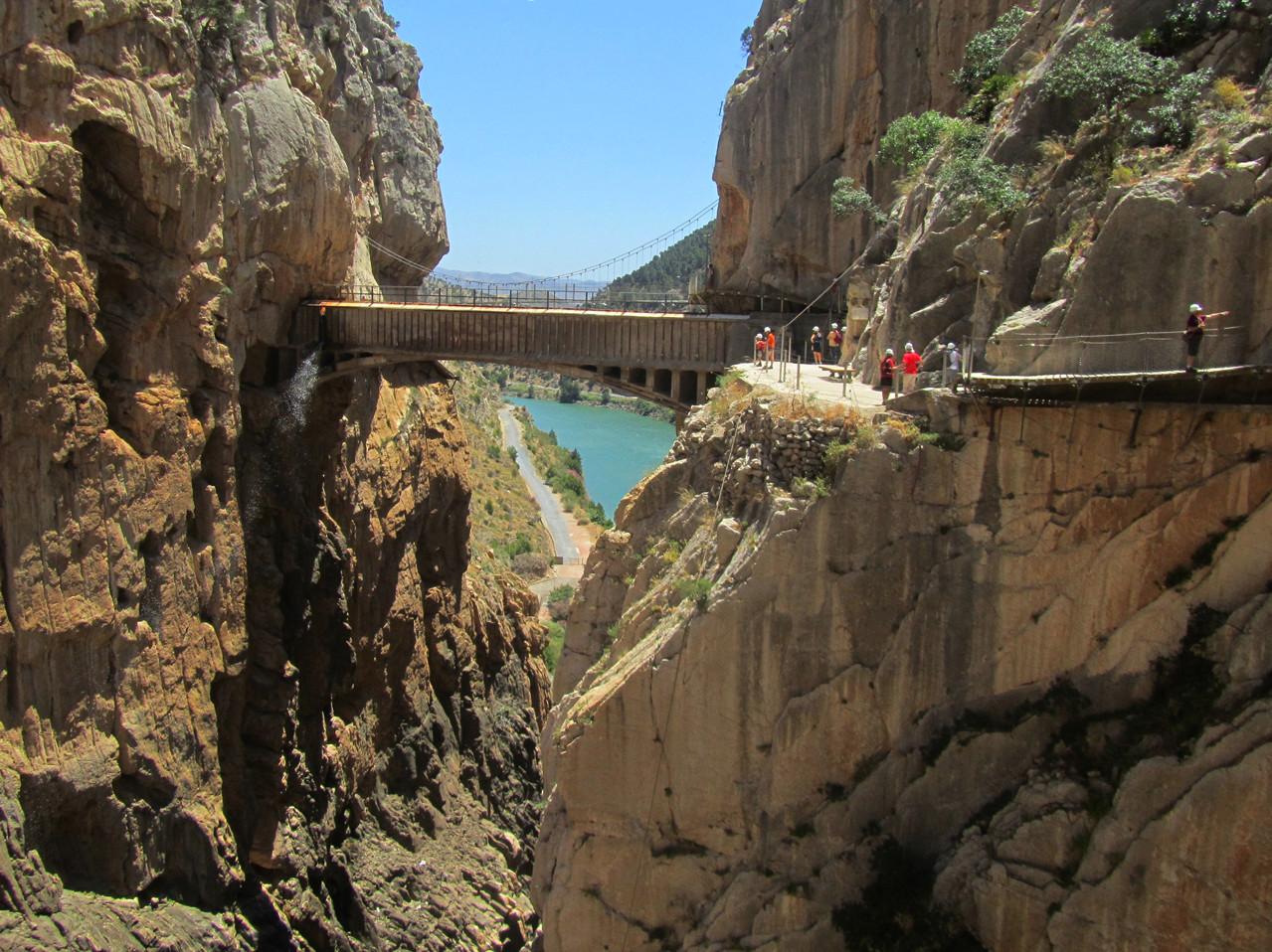 Sul da Espanha tem caminhada, a mais de 100 metros de altura
