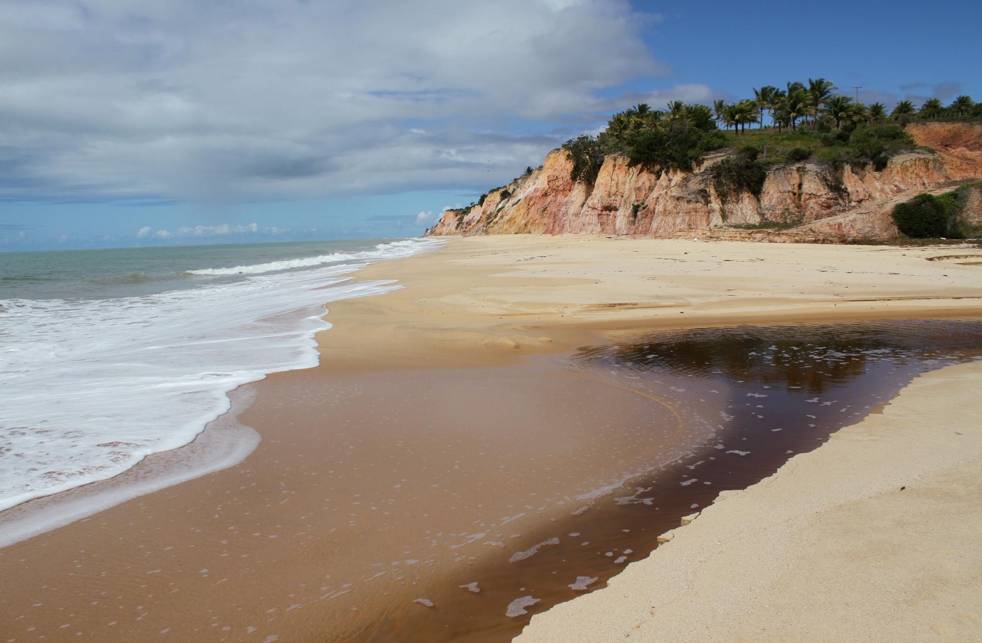 Praia das Ostras, no litoral norte de Prado, na Bahia (foto: Eduardo Vessoni)