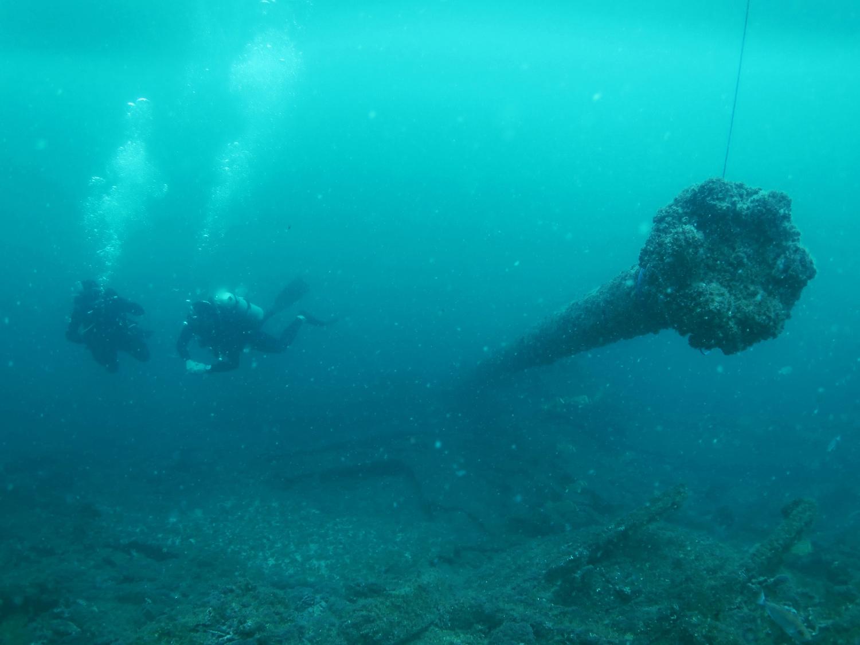 Mergulho na Parnaioca, na Ilha Grande (foto: Rafael Esteves/Captain Dive)